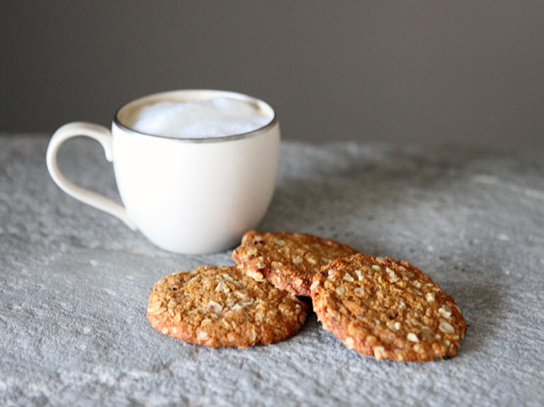 We love finding and developing unique recipes to share with our friends and these Oatmeal Cookies come to life with our Spring Honey.
