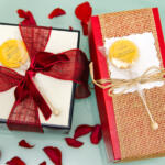 Honey Lollipop gift wrapping