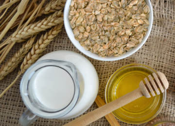 This milk honey and oatmeal bath recipe combines ingredients that have been used throughout history for health and beauty.