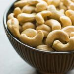a bowl of raw cashews for making cashew cream